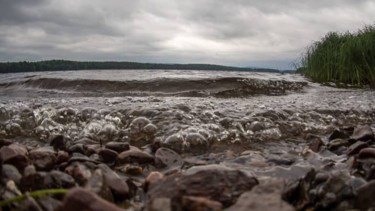 Wellen am Glafsfjorden
