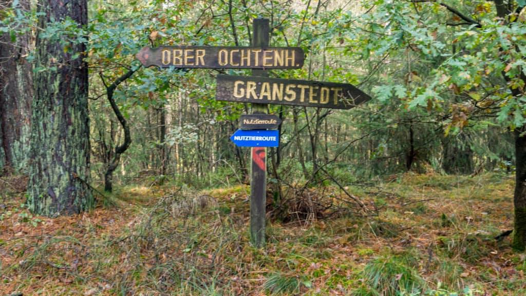 Hinweisschild auf dem Nordpfad Ostetal